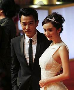 english news 英语新闻-Yang Mi and Hawick Lau get married