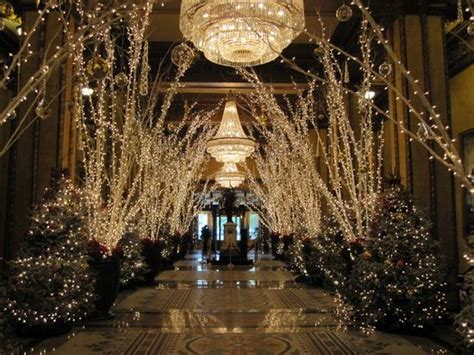 The Roosevelt Hotel New Orleans Christmas Decorations by Lighting New York And New Orleans Christmas On Pinterest