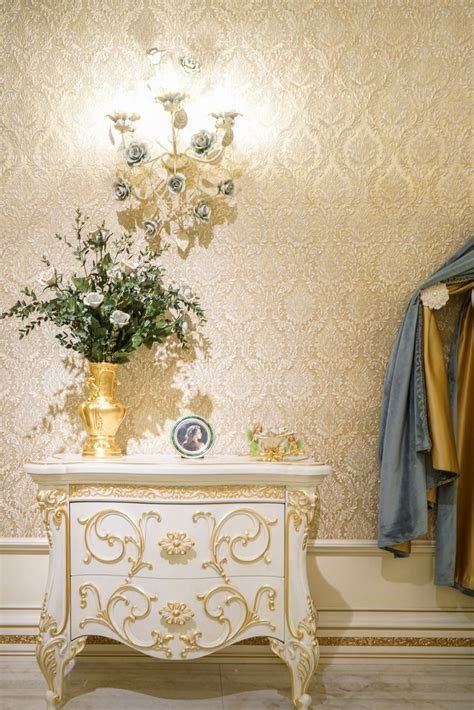 details   difference  baroque rococo style furniture