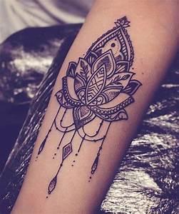 Tatouage Bras Complet Femme : photo tattoo interieur bras feminin mandala tatouage femme ~ Melissatoandfro.com Idées de Décoration