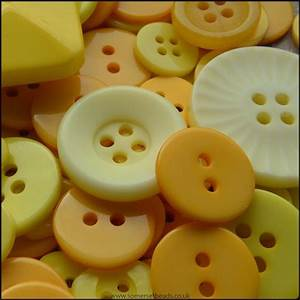 35g Mixed Yellow Buttons