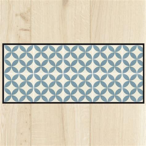 tapis de cuisine au metre tapis cuisine carreaux ciment bleu