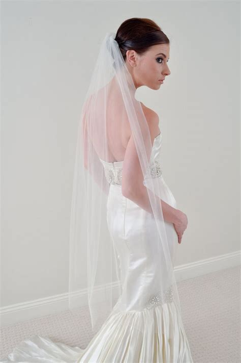 Why The Long Veil Bridal Veils 101 Onewed