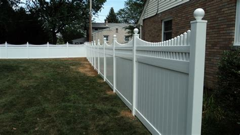 white vinyl privacy fence   scalloped victorian