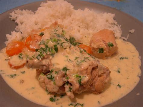 cuisiner un lapin en sauce lapin à la moutarde maison avis aux gourmands