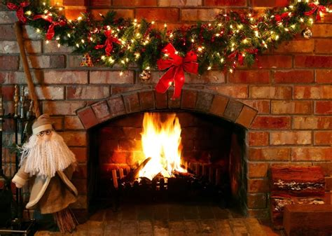 Inspiring Christmas Fireplace Mantel