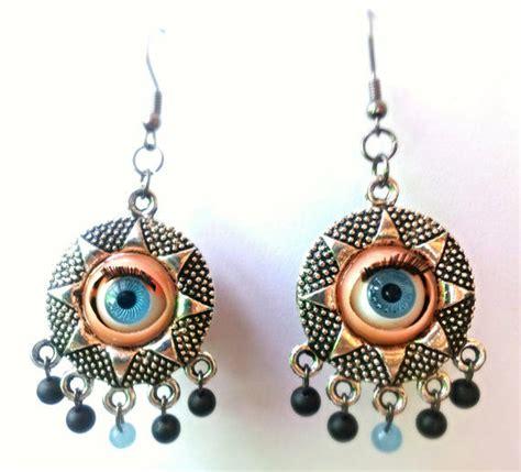 blinking eye earrings halloween costume earrings