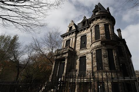 abandoned  haunted american castles toptenznet