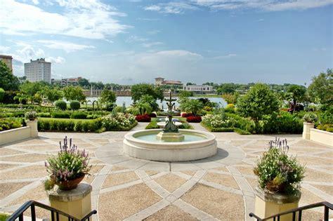 hollis garden lakeland tripomatic