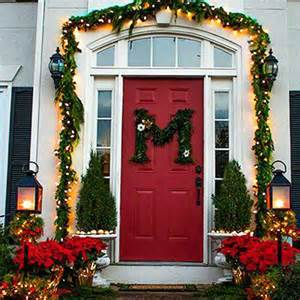holiday front door decorations how to decorate the front door for christmas silvestri christmas