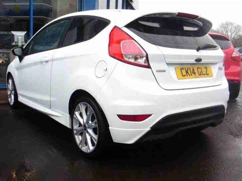 ford  fiesta zetec  petrol white manual car  sale