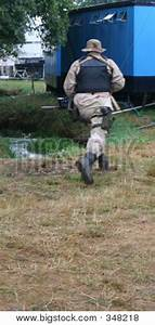 Picture or Photo of American army soldier running away