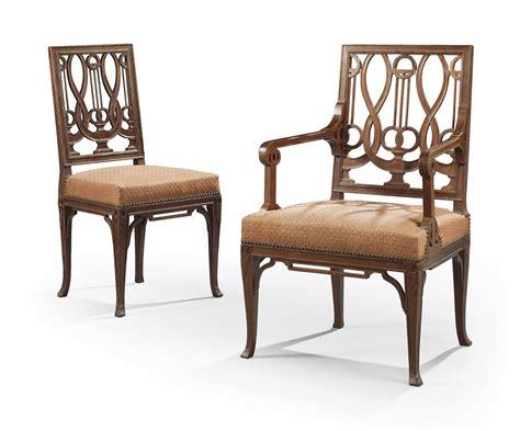 chaise style louis xvi chaise et fauteuil de style louis xvi en suite dans le