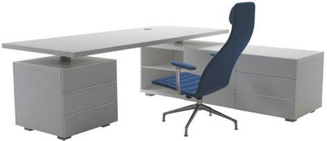 fabricant mobilier de bureau italien la sobriété des nouveaux bureaux haut de gamme