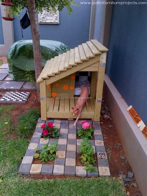Wooden Pallet Recycling Ideas  Pallet Furniture Projects