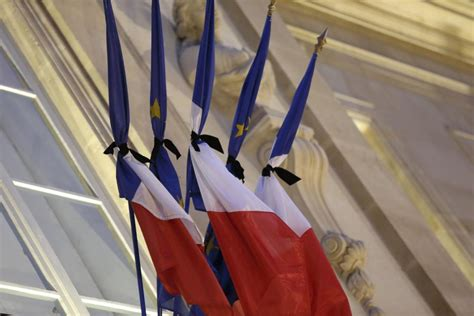 Atac in Nisa, de Nationala a Frantei - YouTube