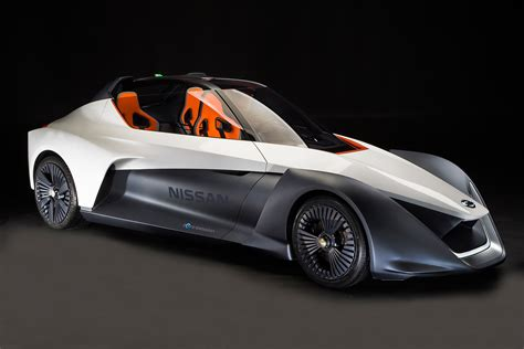 Nissan Bladeglider Electric Sports Car Pointy, But