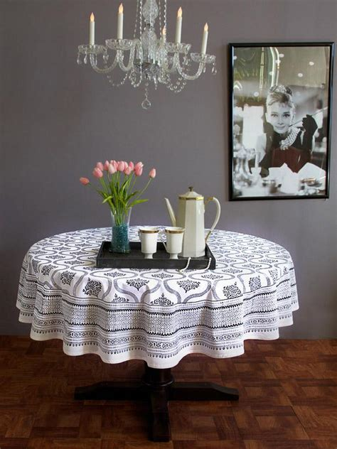 black  white  table cloth hollywood glamour