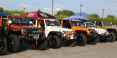 great smoky mountain jeep invasion pigeon forge car shows