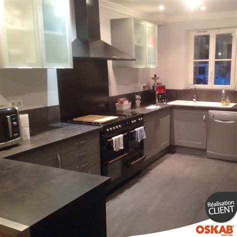 fond cuisine cuisine équipée grise bois moderne filipen gris mat