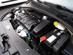 Odhlučnění motoru auta