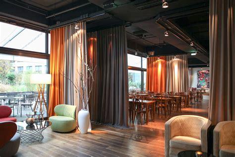 ein raumteiler vorhang im design hotel adler wohndesign