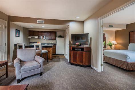 Cloverleaf Suites Columbus