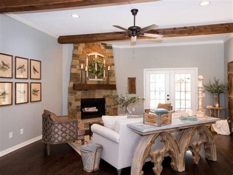 Hgtv Fixer Upper Boat House by Fixer Upper Yours Mine Ours And A Home On The River