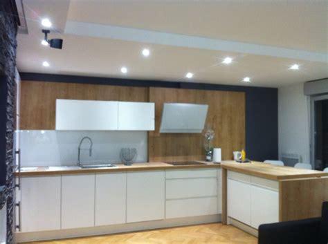 faux plafond chambre éclarage de la cuisine avec spot led de basse tention bois