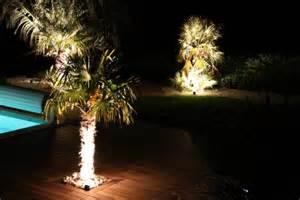 Eclairage De Jardin Basse Tension by Am 233 Nagement D Un Coin D 233 Tente Autour D Une Piscine Avec