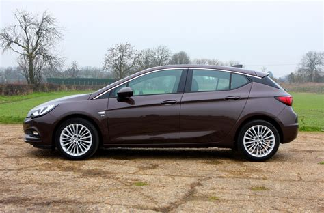 vauxhall astra vauxhall astra hatchback features parkers