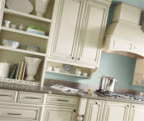 Cream Cabinets with Glaze   Diamond Cabinetry