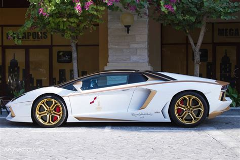 meet    gold plated lamborghini aventador
