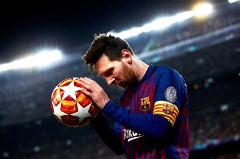 Lionel Messi Equals Brazil legend Pele's record for 643 ...