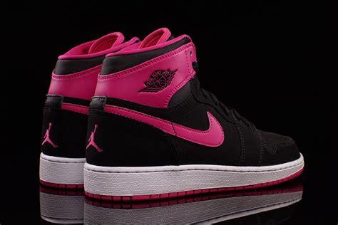 air jordan  retro vivid pink pack