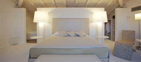 chambre de luxe hôtel santa ile rousse