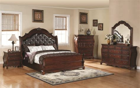 Brown Cherry Finish Traditional Bedroom Woptional Items