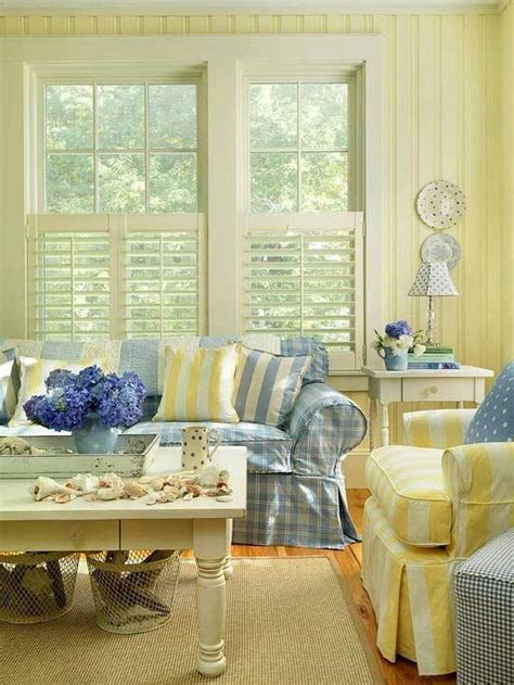 yellow and blue living rooms blue and yellow living room