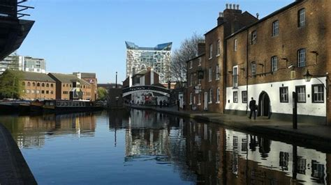 Drained Birmingham canal: Businesses 'still open' - BBC News