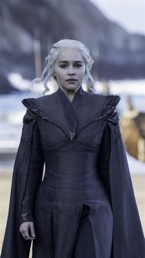 emilia clarke  daenerys targaryen  game