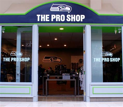 seahawks open pro shop  bellevue square   holiday