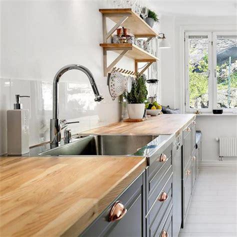changer un plan de travail de cuisine relooker une cuisine 8 astuces ooreka