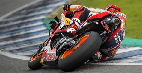 The official 2021 motogp calendar, all the dates, circuits and countries from the motogp, moto2, moto3 and motoe world championships. MotoGP: Michelin Introducing New-Construction Rear Tire For 2020 Season - Roadracing World ...