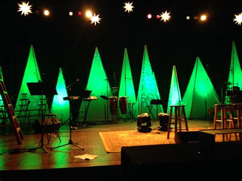pyramid trees church stage design ideas