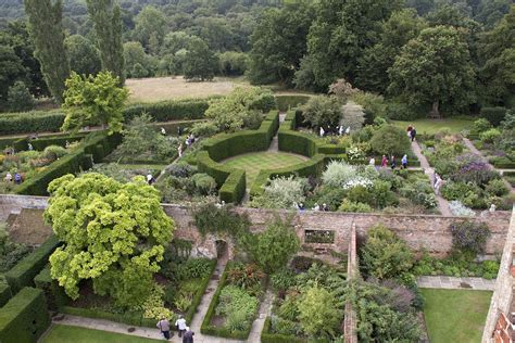 Gardens : Sissinghurst Castle Garden