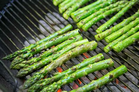 grilled asparagus grilled asparagus recipe simplyrecipes com