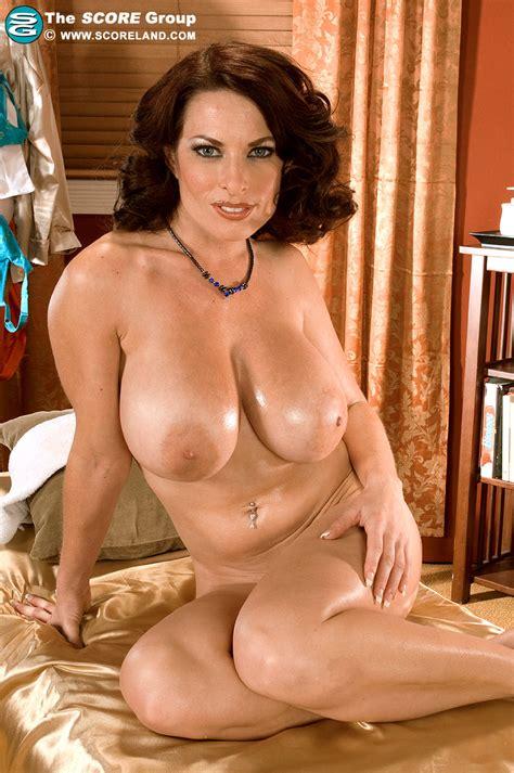 Goldie Blair Oiled Up
