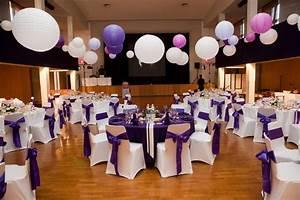 Decoration Salle Mariage Pas Cher : l 39 effet d co violet et blanc fee de l 39 effet ~ Teatrodelosmanantiales.com Idées de Décoration
