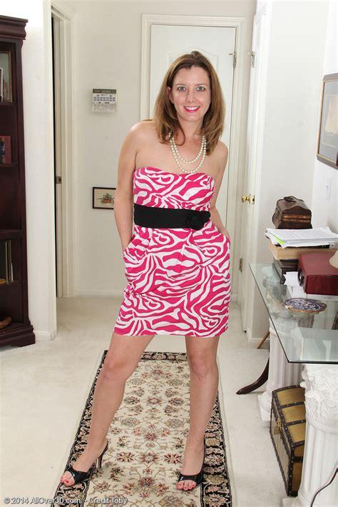 Sexy Plus Elegant Sally Jones Undresses Plus Opens Up