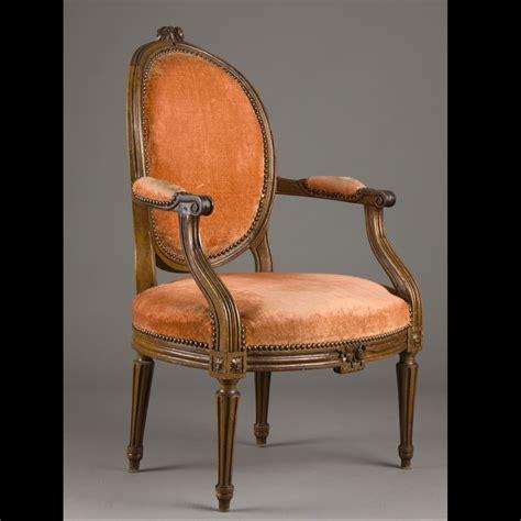 fauteuil medaillon louis xvi fauteuil a dossier medaillon louis xvi 410909 expertissim